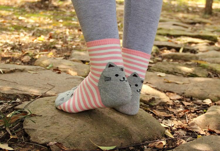Если во сне вам подарили носки - наяву придется кому-то помогать.